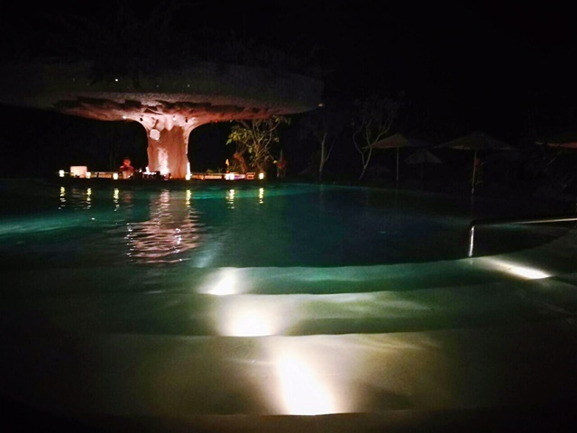 night pool bar.jpg