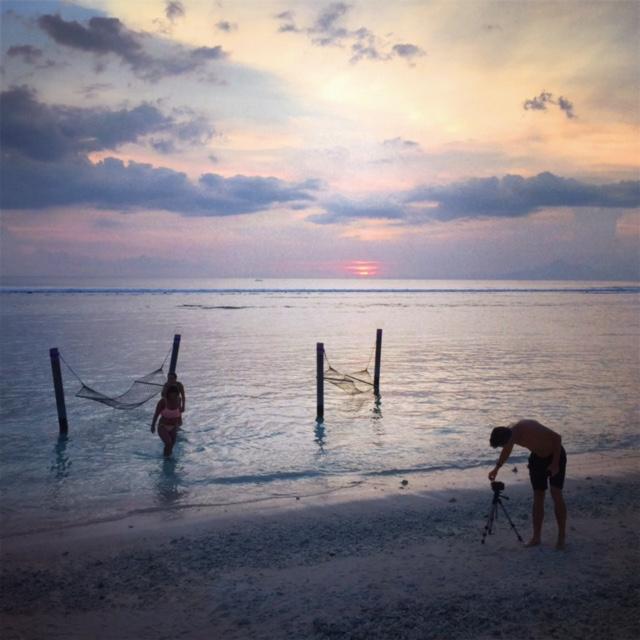 sunset kiss swing.jpg