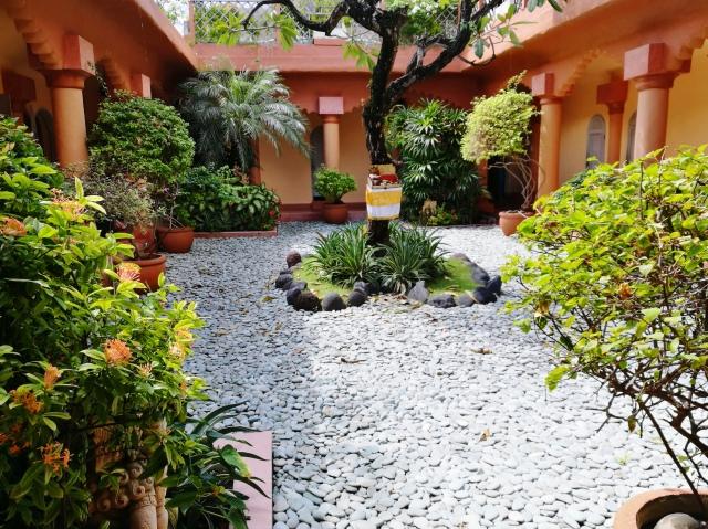 garden spa.jpg