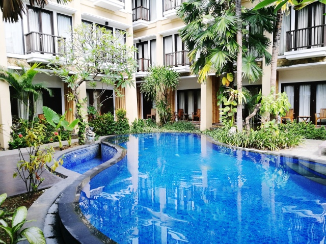 Suris boutique hotel pool.jpg