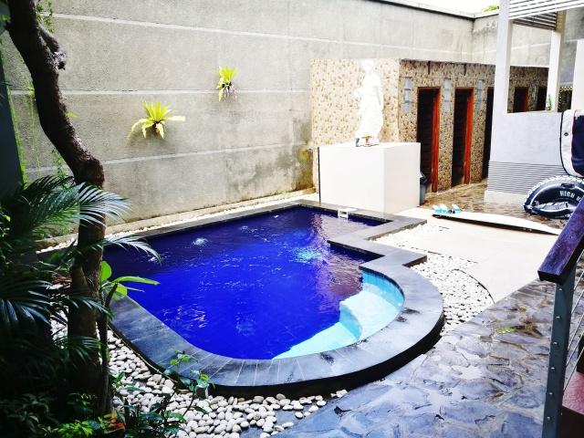 hostel-pool.jpg