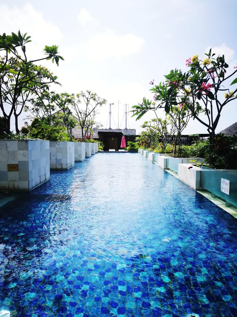 rooftop-swimming pool.jpg
