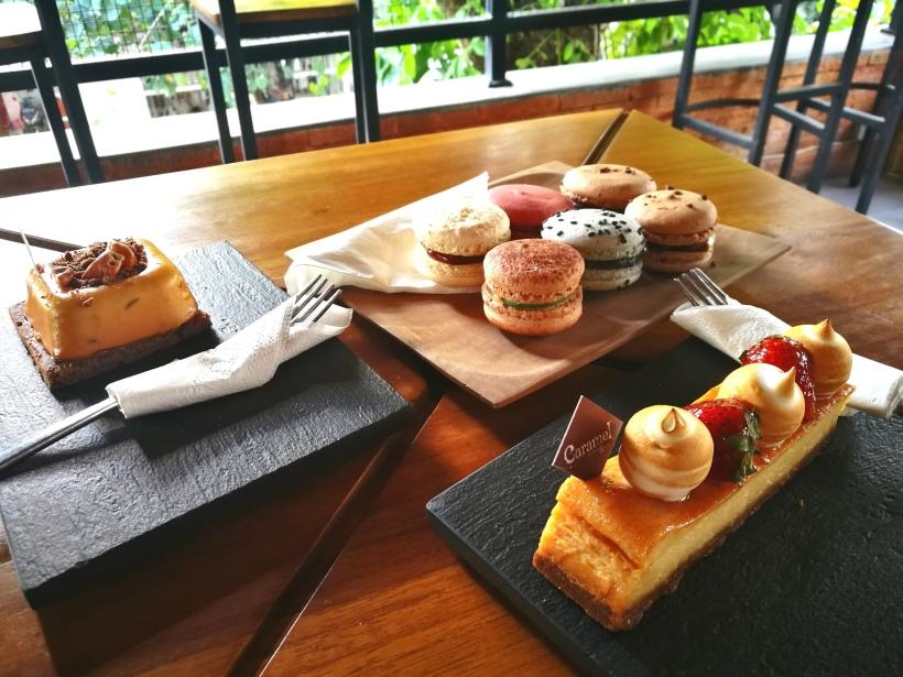 side cakes.jpg