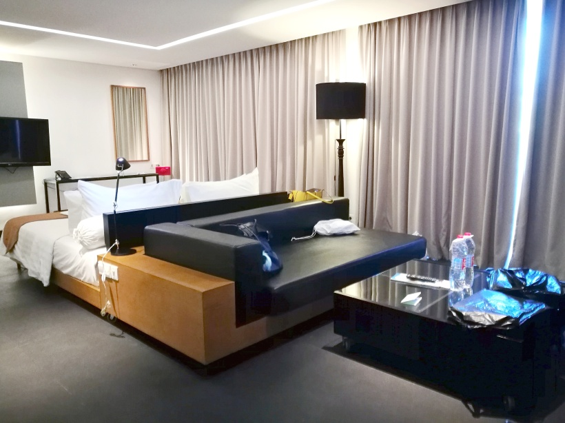 side view room
